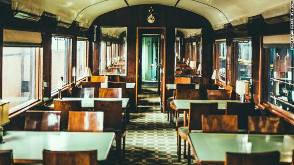 Portugalski pociąg prezydencki - wagon restauracyjny