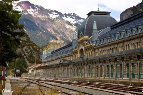 Dworzec w Canfranc