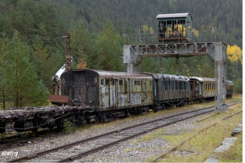 Pociąg na stacji Canfranc