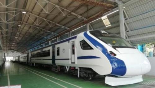 Train 18, czyli Vande Bharat Express