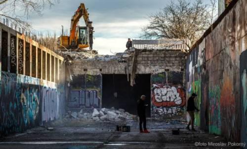 burzenie bratysławskiego metra