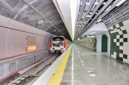 Kolejowy tunel Marmaray pod Bosforem w Istambule