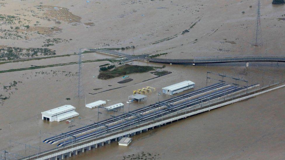 pociągi shinkansen zatopione przez tajfun Hagibis