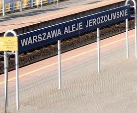 Tablica z nazwa stacji