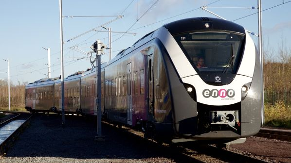 Pociąg który ma brać udział w próbach automatycznej jazdu