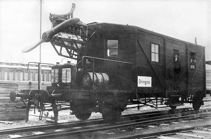 Eksperymentaly szynowy wagon Dringos
